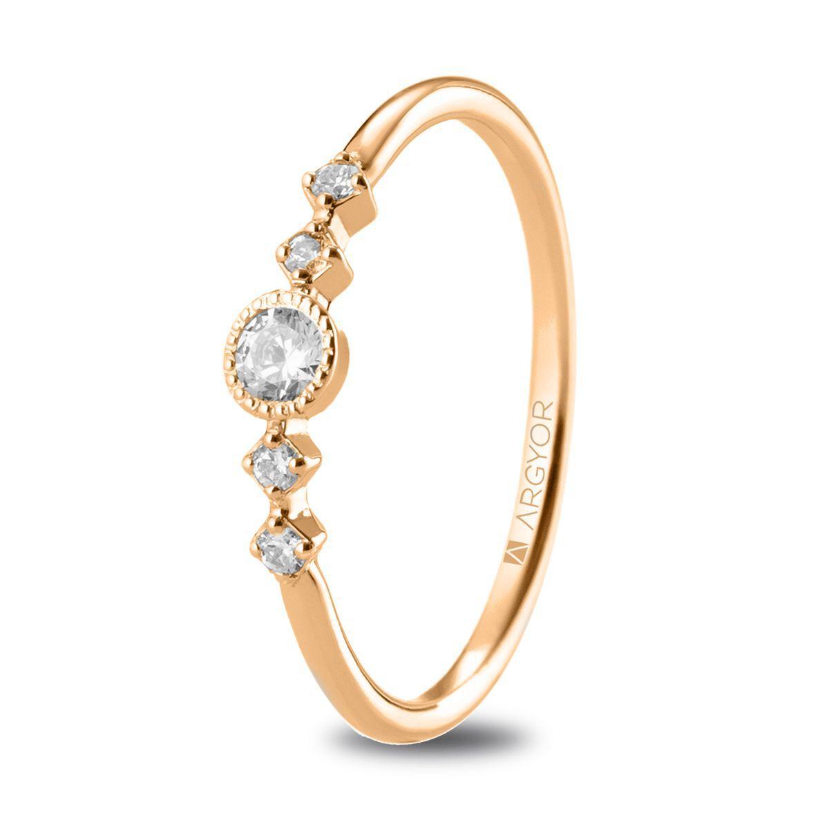 anel com adorno