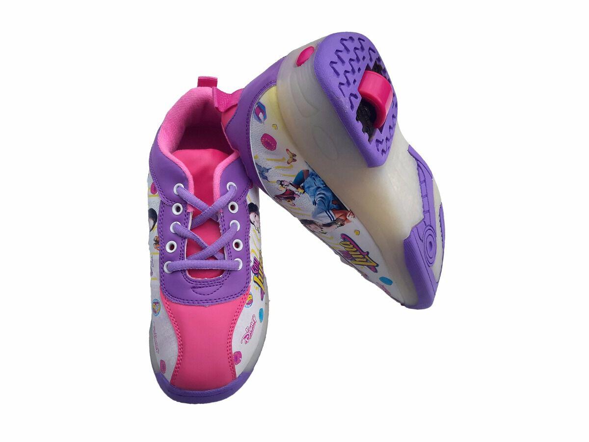 calçado com rodas